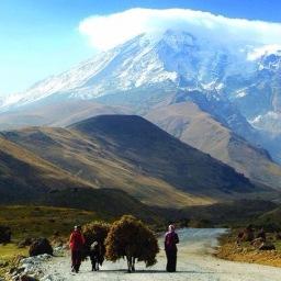La silueta del Monte Ararat